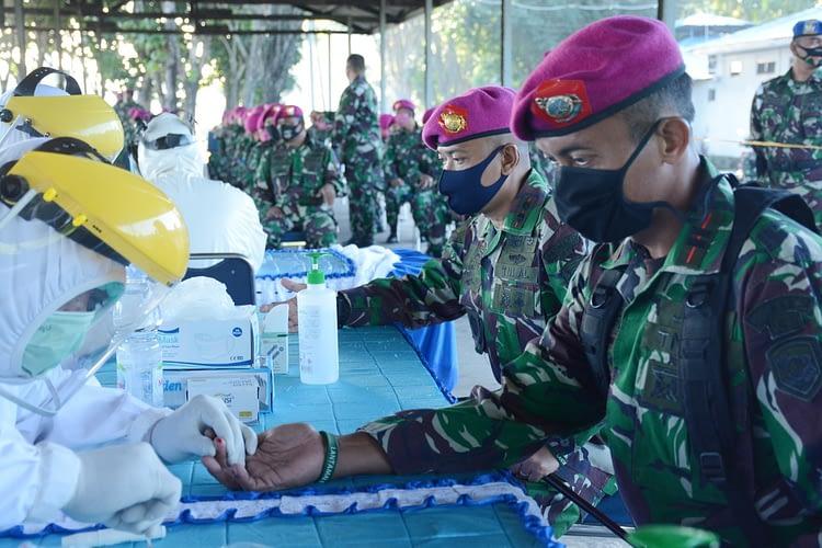 Prajurit Yonmarhanlan VI Makassar Laksanakan Rapid Test