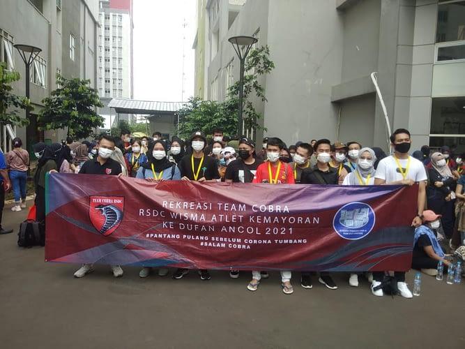 Nakes RS Darurat Wisma Atlet Kemayoran Refreshing ke Dufan
