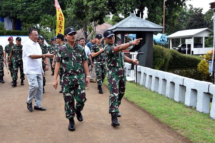 Dankormar Dampingi Kasal Tinjau Pembangunan Fasilitas Puslatpur 4 Marinir Purboyo