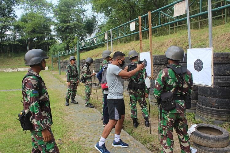 Prajurit Batalyon Arhanud 2 Marinir Tingkatkan Kemampuan Menembak