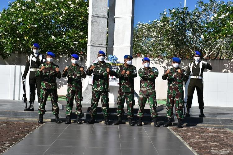 Peringati Hari Jadi Ke-74 Pomad, Warga Pomdam XVIII/Kasuari Ziarahi TMP Manokwari