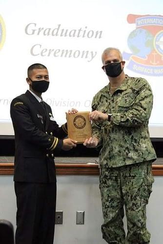 Lagi, Perwira Muda TNI Angkatan Laut Lulus Peringkat Pertama Dalam Pendidikan Internasional Di Amerika Serikat