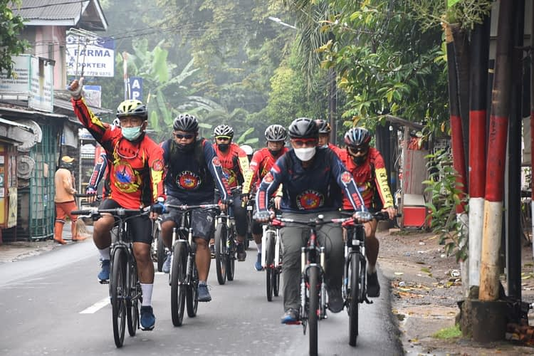 "Jadikan ""Gowes Sehat di Masa Pandemi Covid-19"", Marinir Bersepeda 17 KM"