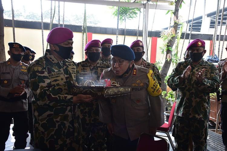 Suprise Dandenma Mako Kormar kepada Prajurit Makosat Brimob Polda Metro Jaya