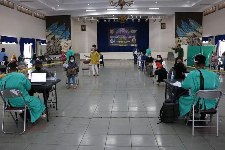 Serbuan Vaksinasi Serentak Di Markas Komando Pasukan Khas TNI Angkatan Udara