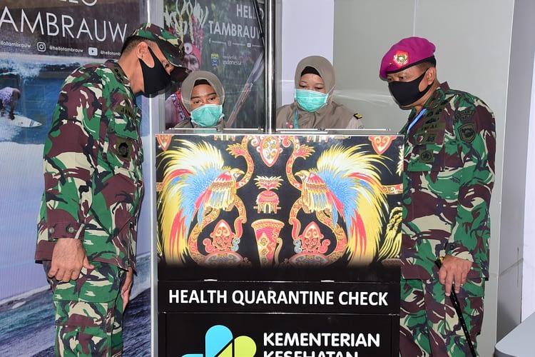 Bandara Perdana Dibuka 3 Peserta Forkopimda Kota Sorong Turun Lakukan Peninjauan Penumpang