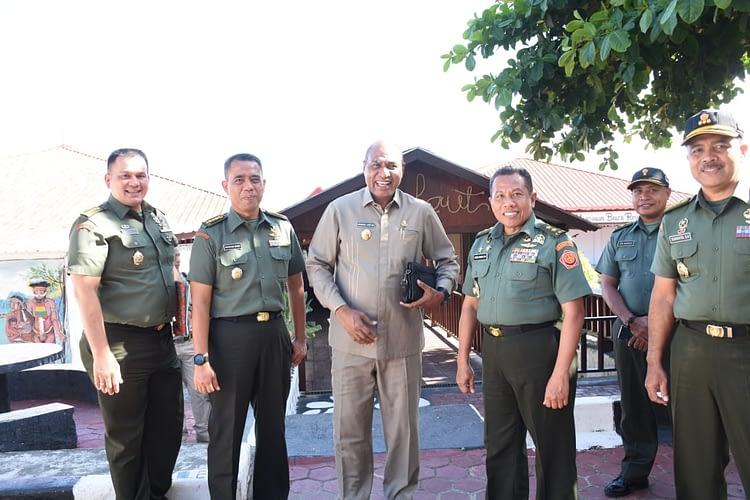 Tim Ditjenmiltun MA Tinjau Lokasi Pembentukan Pengadilan Militer Baru di Manokwari, Papua Barat