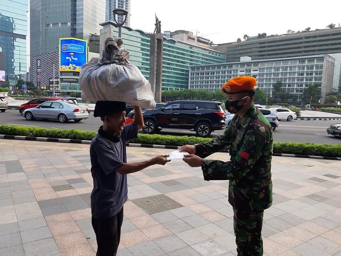 1 SSK Paskhas TNI AU Laksanakan Operasi Yustisi Disiplin Prokes/PPKM
