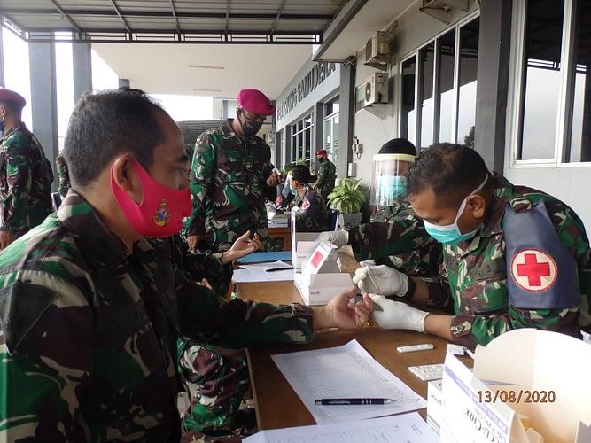 Prajurit Dan PNS Denmako Pasmar 1 Laksanakan Rapid Test