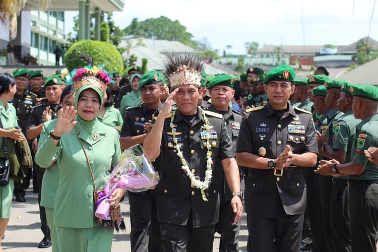 Jabatan Kasdam XVIII/Kasuari Diserahterimakan, Brigjen TNI ferry Zein Resmi Menjadi Kasdam