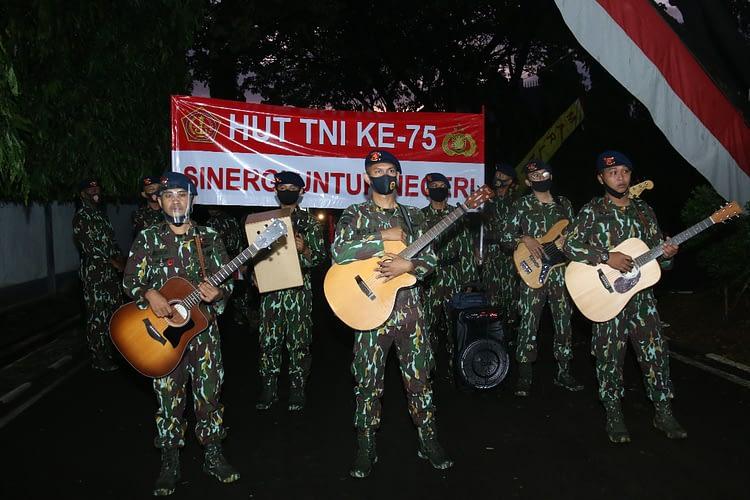 HUT TNI ke-75, Dankormar Terima Kejutan Dari Korps Brimob