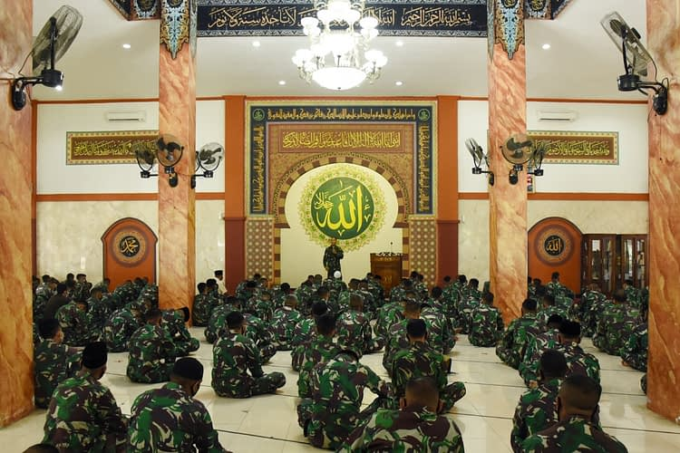 Danpasmar 1 Ikuti Peringatan Maulid Nabi Muhammad SAW