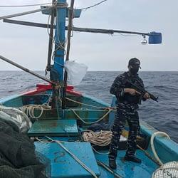 TNI AL Kembali Tangkap Kapal Ikan Berbendera Vietnam di Laut Natuna Utara