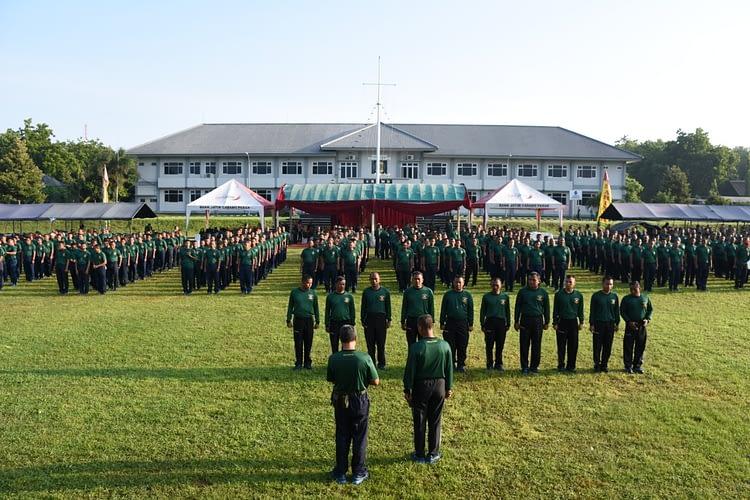 Olahraga Bersama Prajurit Kolatmar dalam Rangka HUT ke-43 Kolatmar Tahun 2020