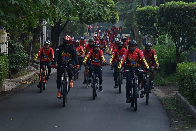 Lawan Covid-19 Bersama Marines Cycling Community