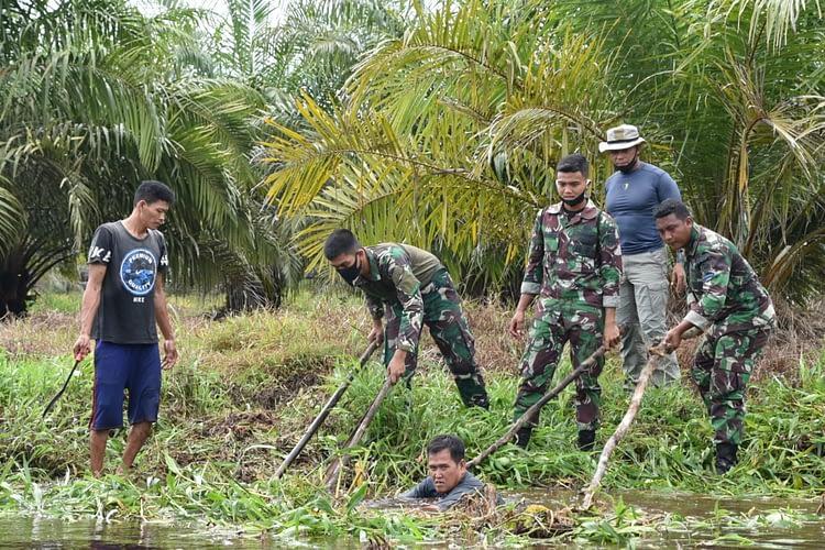 Jelang HUT TNI Ke 75 Prajurit Yonmarhanlan XII Laksanakan Bakti Sosial