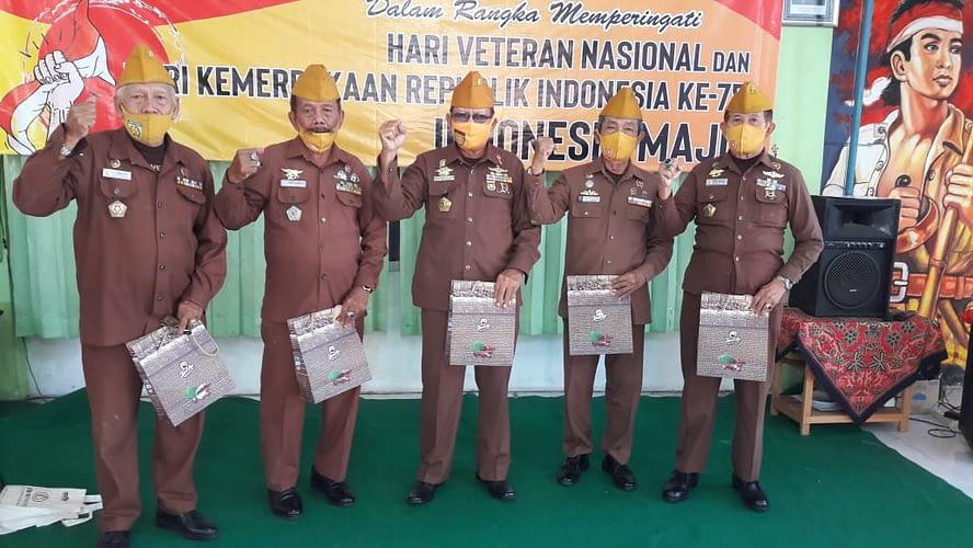Pt. Kopi Kapal Api - Sepatu Trekkers dan YBSI  Beri Tali Asih Veteran di Era Pandemi Covid19
