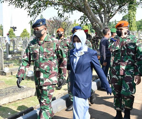Kasau Hadiri Upacara Pemakaman Militer Jenderal TNI (Purn) Pramono Edhi Wibowo