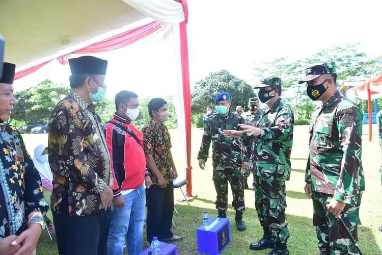 Peduli Covid-19, TNI AU Bagikan 1000 Paket Sembako