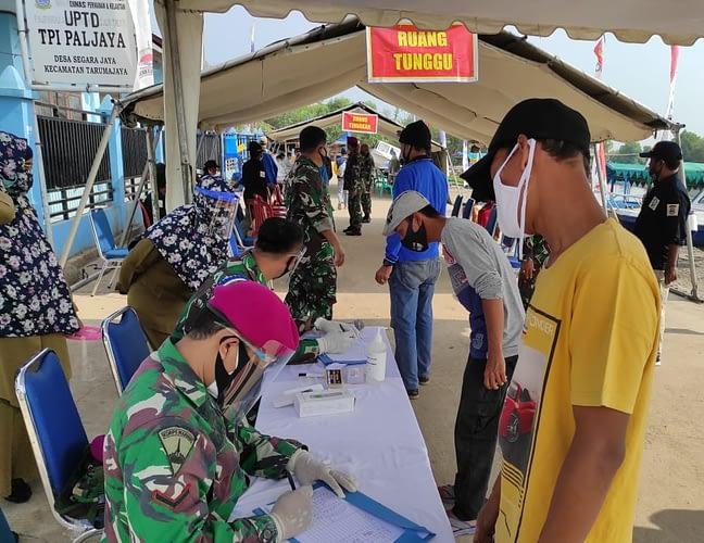 Bakti Sosial Batalyon Kesehatan 1 Marinir di Bekasi