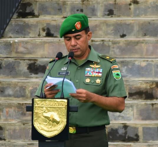 Kodam XVIII/Kasuari Gelar Upacara Bendera Tujuh Belasan, Lanjut Pemeriksaan Kendaraan Dinas