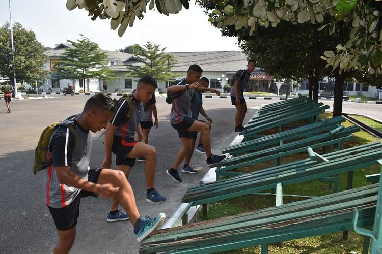 Yonof 2 Brigif 1 Marinir Latihan Circuit Training dan Lari Ketahanan