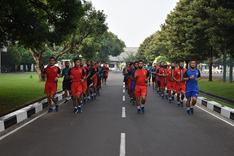Jaga Kesehatan, Yonif 2 Marinir Laksanakan Olahraga