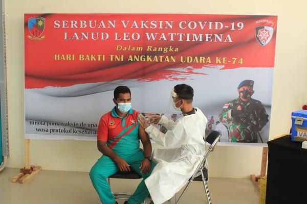Lanud Leo Wattimena Gelar Serbuan Vaksinasi di Bandara Pitu Morotai