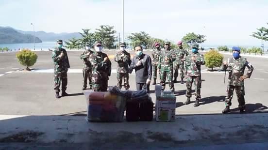 Komandan Pangkalan Utama TNI AL II Menera Bantuan APD