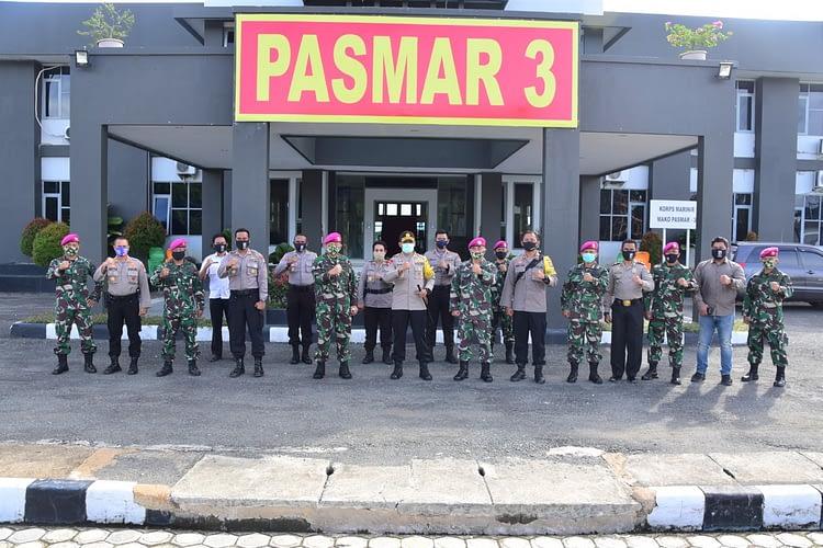 Perkuat Sinergitas Wilayah Sorong, Danpasmar 3 Sambut Kunjungan Kapolres Sorong Kota