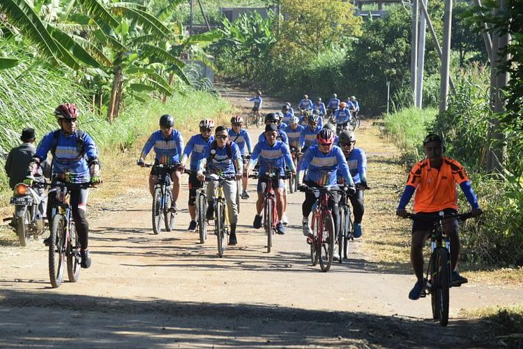 Danmenart 2 Marinir Pimpin Olahraga Bersepeda di Malang
