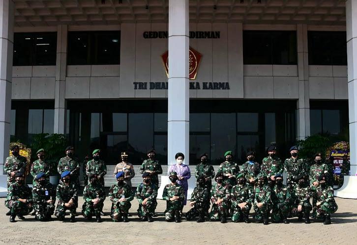 Peringati Hari Kartini 2021, Wakasau Hadiri Apel Bersama Wanita TNI