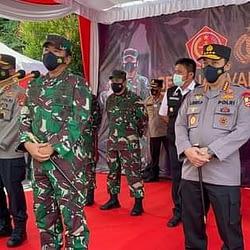 Panglima TNI Bersama Kapolri Tinjau Vaksinasi 2.000 Prajurit TNI dan Anggota Polri di Palembang
