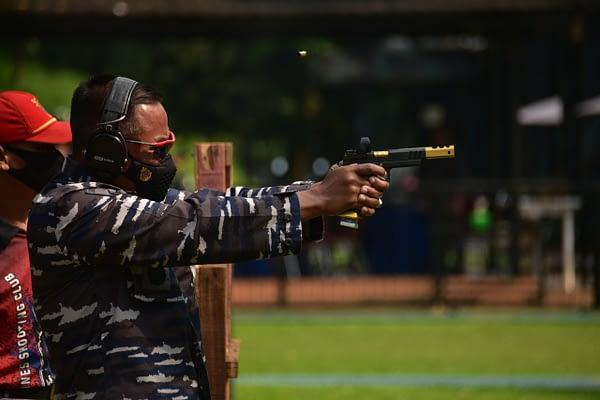 Dankormar Latihan Menembak di Cilandak