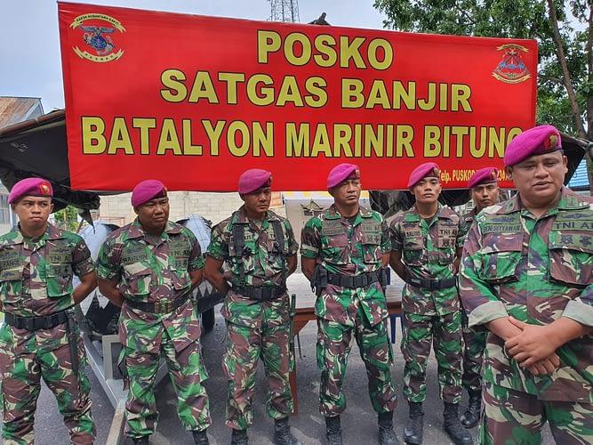 Batalyon Marinir Bitung Kirim Pasukan Bantu Bencana Banjir Bolmut